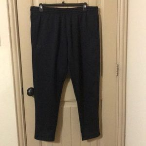 Under Armour NWT black sweatpants tapered XXL